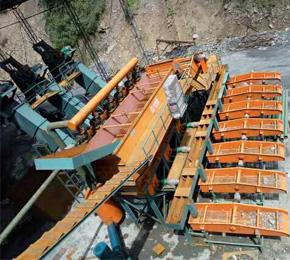 重庆晶宝煤矿80万吨 洗煤设备安装现场